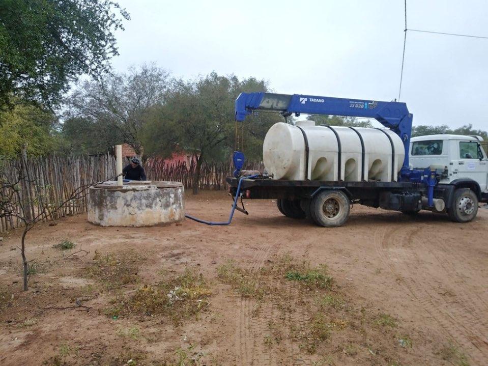 El Gobierno entrega agua segura a comunidades de Los Blancos