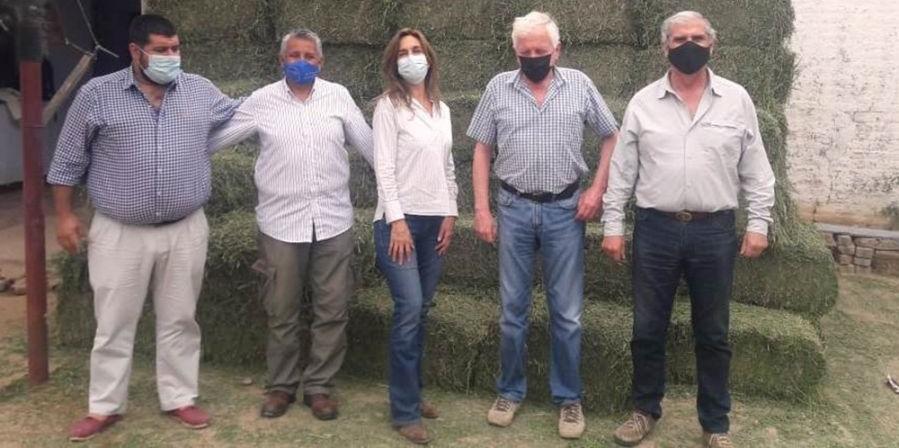 Emergencia Agropecuaria: la Provincia distribuye alfalfa, kits veterinarios y semillas de pastura
